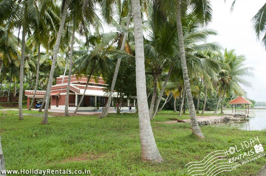 Vellayani lake shore & holiday home