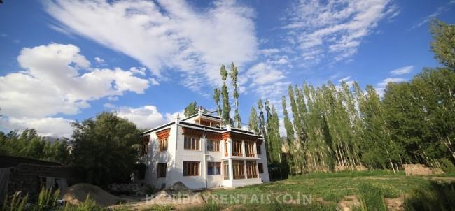 Holiday Home near Spituk monastery, Leh