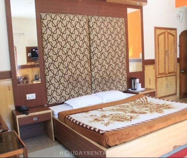 Hilltone Resorts, Kullu Manali