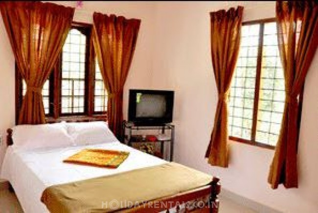 2 Bedroom Home, Munnar