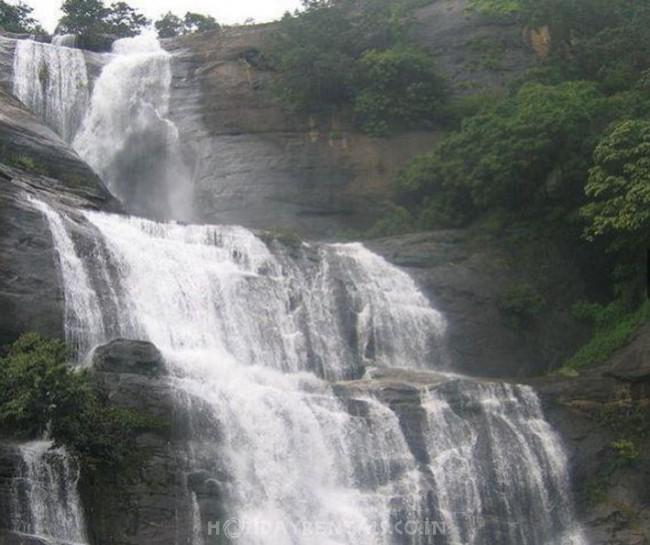 Stay Near Kutralam Falls, Kutralam