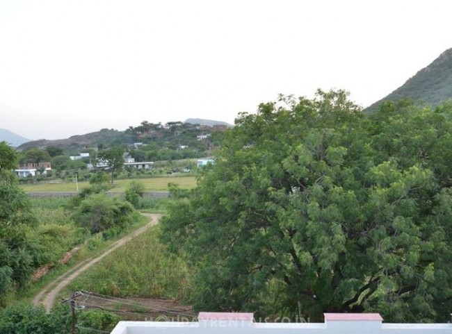 The Royal Country Retreat, Udaipur
