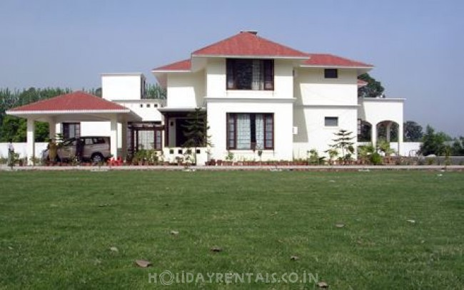 Citrus County Farm Stay, Hoshiarpur