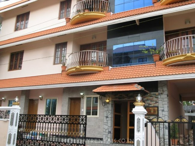 Cottages & Apartments Vyttila, Kochi