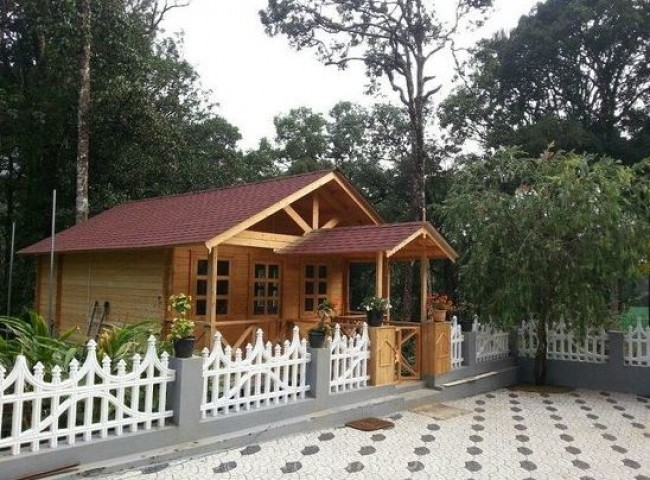 1 Bedroom Wooden House, Munnar