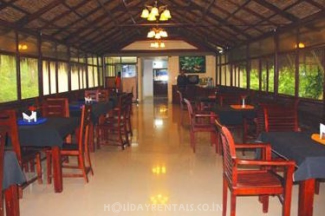 1 Bedroom Wooden House, Munnar