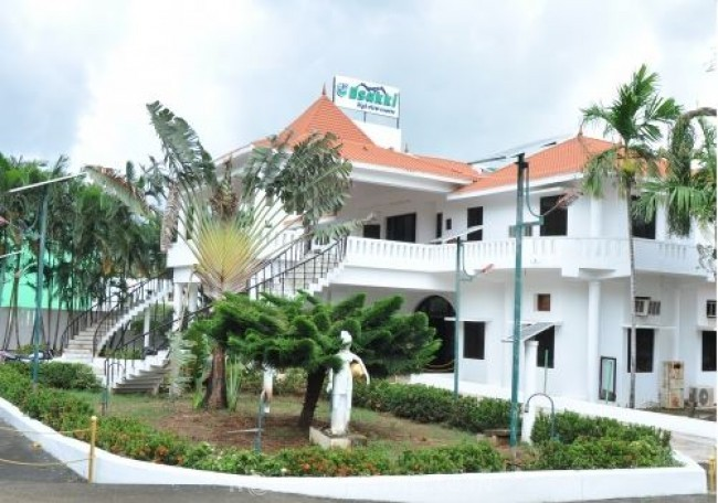 Esakki Resorts, Kutralam