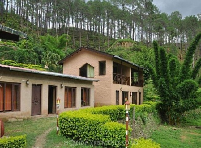 12 Bedroom Wooden Resort, Almora