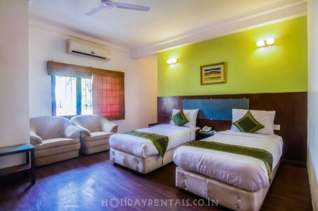 Holiday Home in Thiruvanmiyur, Chennai