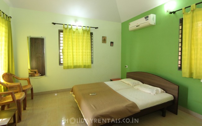 3 Bedroom Holiday Home, Dapoli