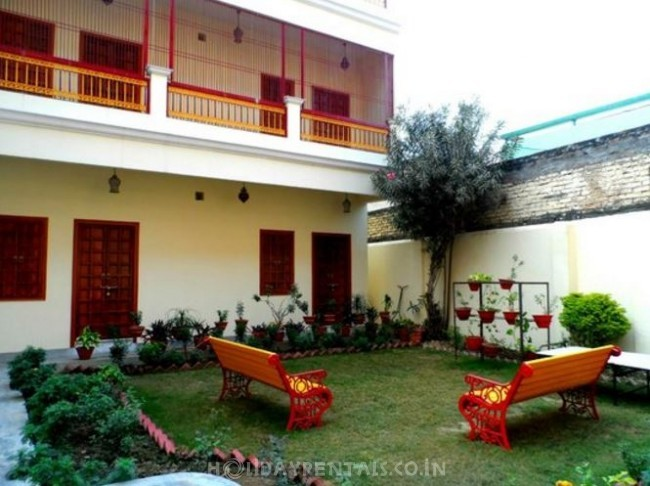 2 Bedroom Homestay, Varanasi