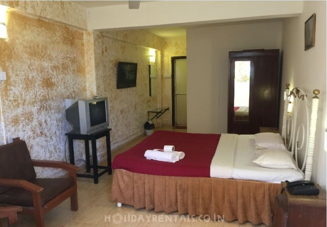 4 Bedroom Holiday Homes, Mahabaleshwar