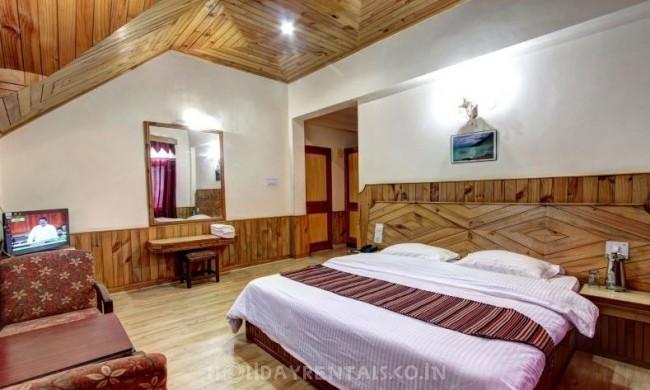 4 Bedroom Cottage, Manali