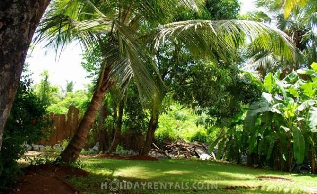 Holiday Bungalow near Ramnath Lake, Alibaug