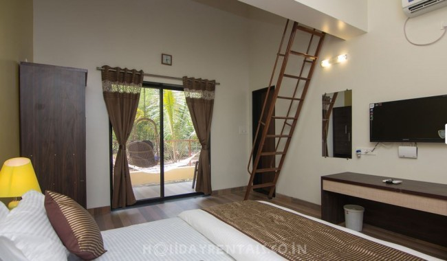 Beachside Holiday Cottage, Alibaug