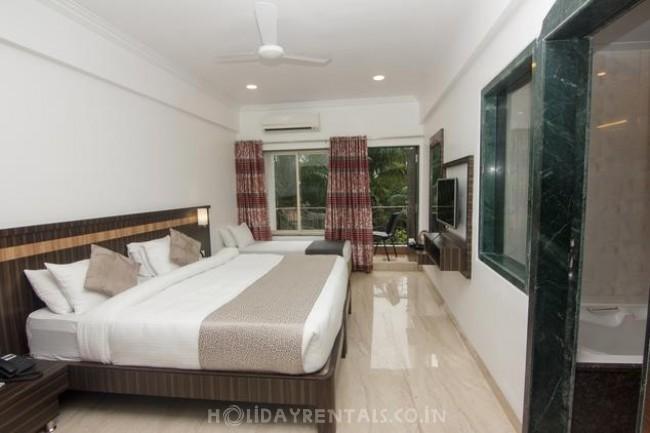 Holiday Resort on Old Highway, Lonavala