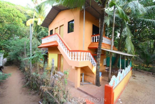 5 Bedroom Bungalow, Malvan