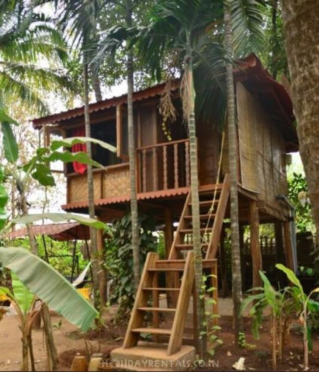Holiday Homestay, Devrukh
