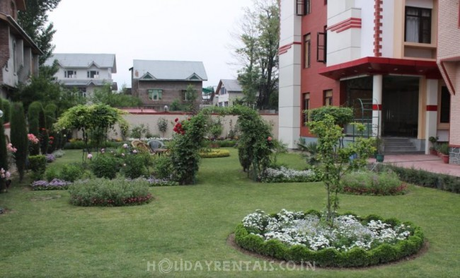 Hill View Home, Srinagar