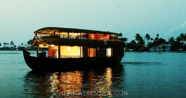 Venice of the East Houseboat, Alleppey