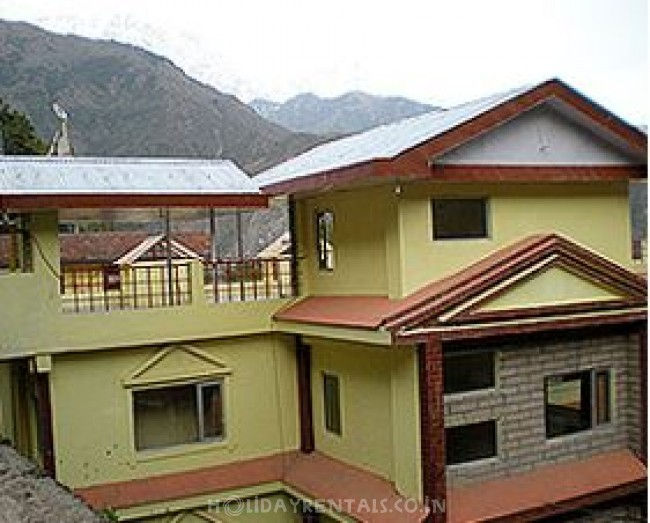 Cottages in Dhauladhar Range, McLeod Ganj