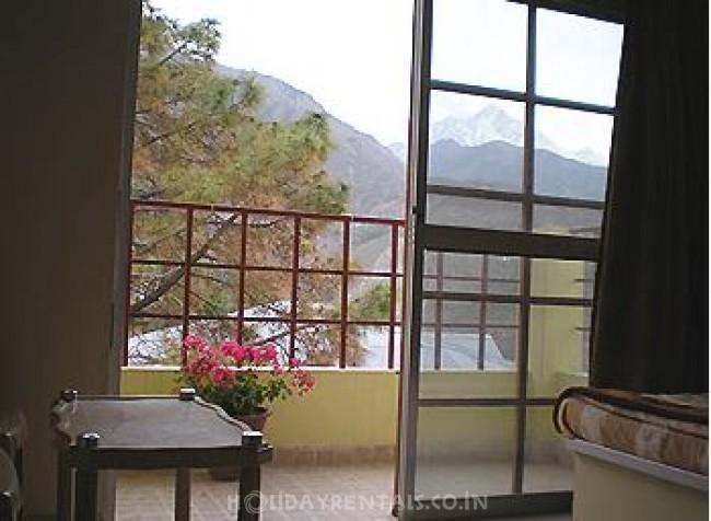 Cottages in Dhauladhar Range, McLeod Ganj