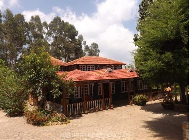 Colonial British Style Resort, Kodaikanal