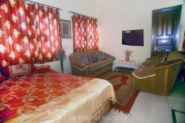 Home away home, Varanasi
