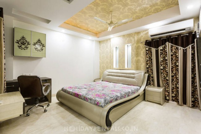 4 Bedroom Bungalow, Shahdara