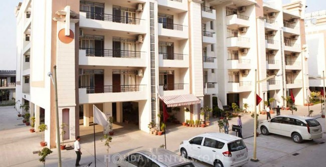 Flat with swimming pool, Pantnagar