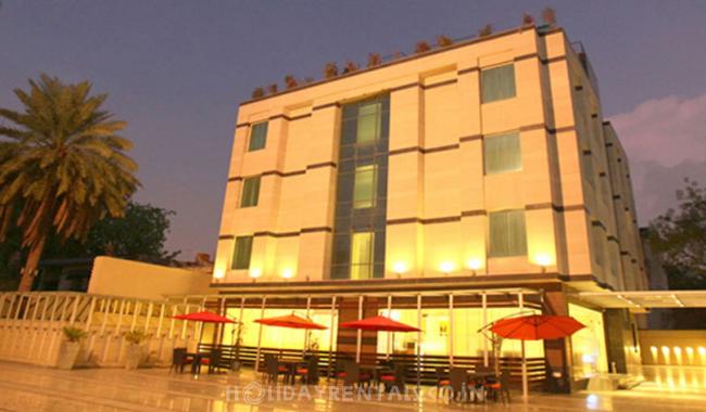 Flat Next to Raj Cinema, Gurgaon
