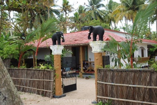 Beach View Holiday Home, Alleppey