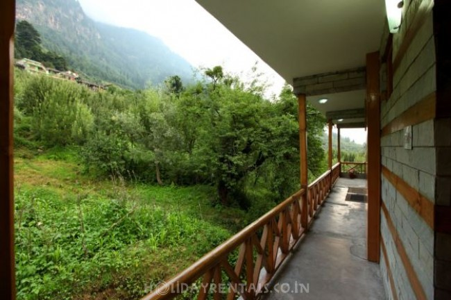 Comfy Cottages, Manali