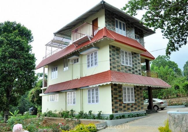 Holiday homes & Tree huts, Munnar