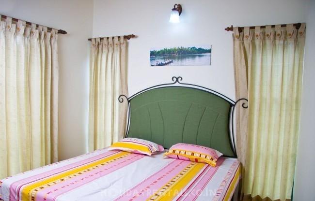 3BHK holiday house, Munnar