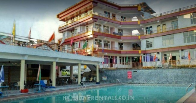 Holiday Home with Swimming Pool, Dharamshala