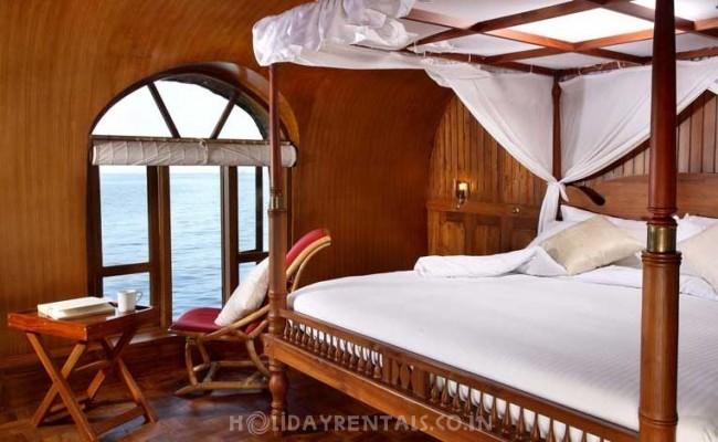 Punnamada Cruise, Alleppey