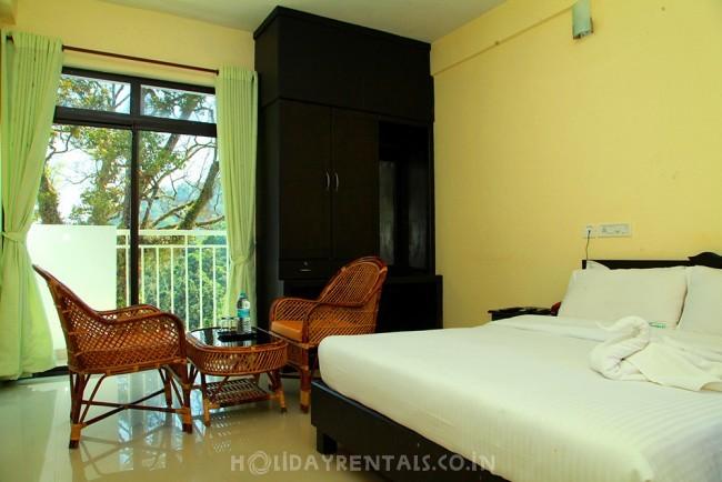 Stay near Kallar Waterfalls, Munnar