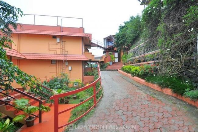 Cottages near Pothamedu viewpoint, Munnar