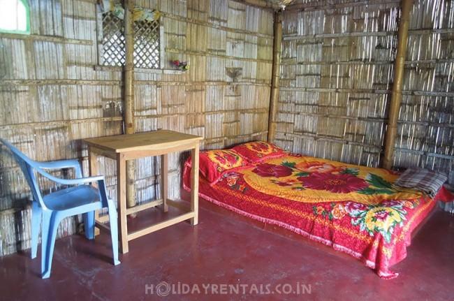 Rooms and Huts, Hampi