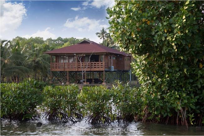 Island holiday cottage, Kollam
