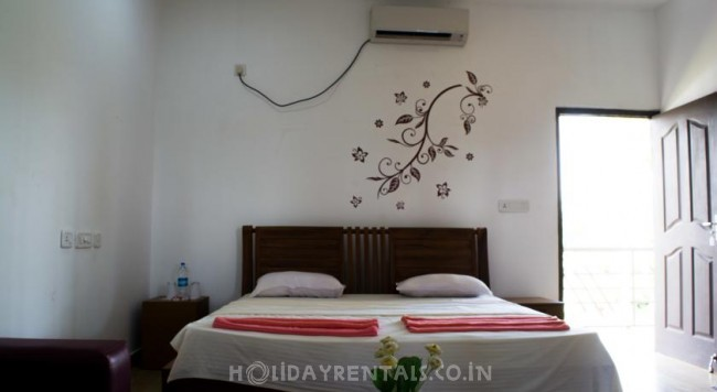 Island Holiday Stay, Kollam