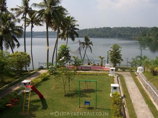 Lake View Holiday Stay, Kollam