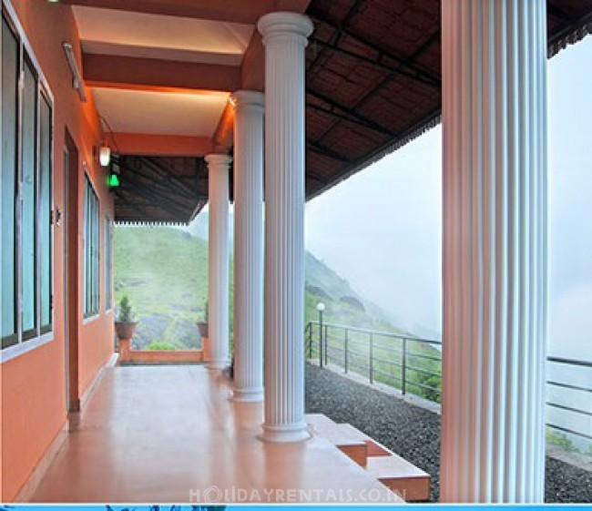 Hill Top Villa in Elaveezha poonchira, Kottayam