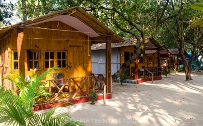 Eco-friendly Beach Cottages, Canacona