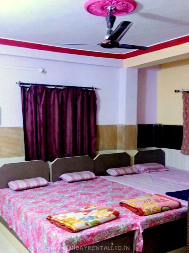 Stay near Lonar Crater Lake, Wadgaon