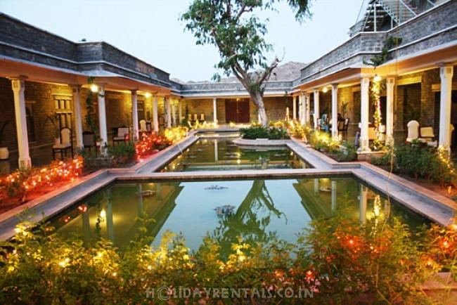 Stay near Ranakpur Jain Temple, Pali