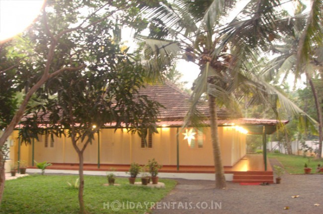 Stay Near Lulu Shopping Mall , Kochi