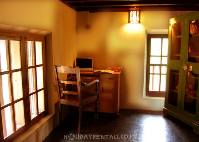 Traditional Illam Stay with Natural pond, Malappuram
