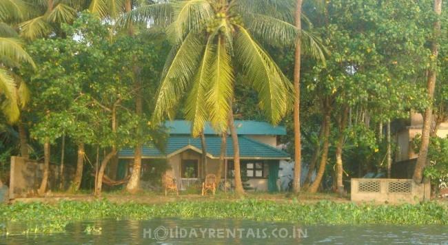 Lake View Holiday Home, Kochi
